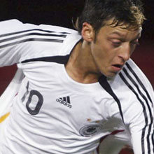 Mesut Ozil Extraordinary new players